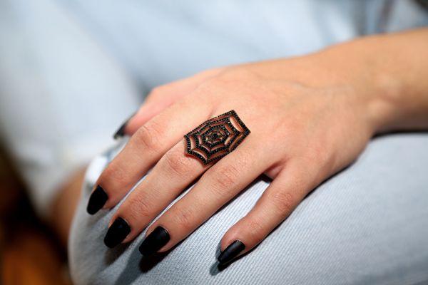 Handmade open jewelry, pink gold plated silver spiderweb ring 925o with black zircon in black platinum silver - Χειροποίητο ανοιχτό ασημένιο δαχτυλίδι ιστός αράχνης από ασήμι 925ο με ροζ επιχρύσωμα και μαύρα ζιργκόν.