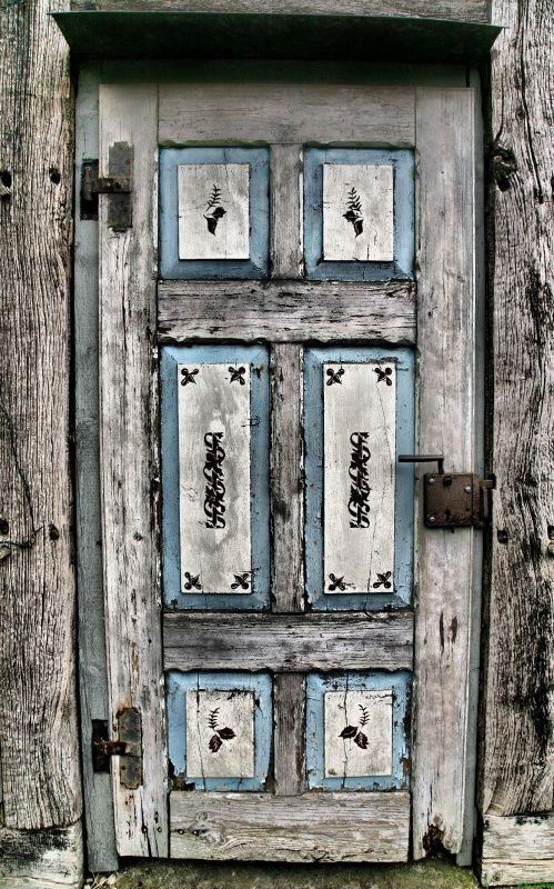 Old Door in Germany | 'Eine alte Tür am Fachwerkhaus' ©Kai ~ Tjardes, via audensound.de