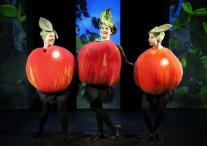 """From Teater Hund's production """"The Apple and the Worm"""" (2012). Photo: Malle Madsen"""
