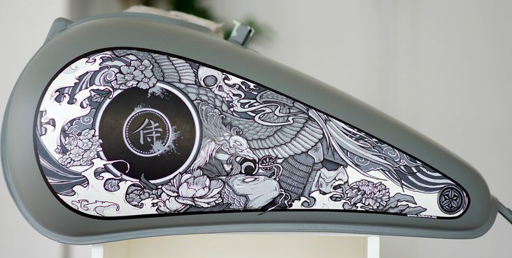 Motorcycle tank paint ideas with a Japanese Touch