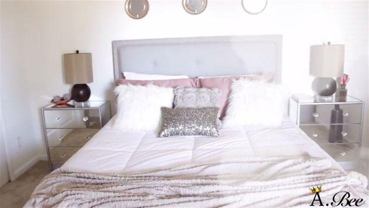 Här ser man Aprils sovrum i sin helhet. Två snygga och lite lyxigare nattygsbord blev resultatet!