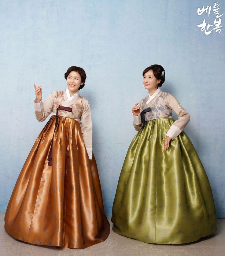 Korean traditional clothes.(한복) #hanbok #korean #mother #mommy #mom #wedding #natural #양가어머니한복 #엄마한복 #어머니한복 #혼주한복대여 #혼주한복 #결혼식혼주한복 #한복맞춤 #신부어머니한복 #신랑어머니한복 #고급한복 #고급엄마한복 #베틀한복