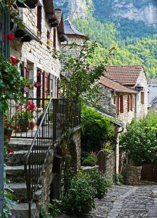 Amazing World, Sainte-Enimie, France