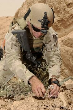 US Navy Explosive Ordinance Disposal