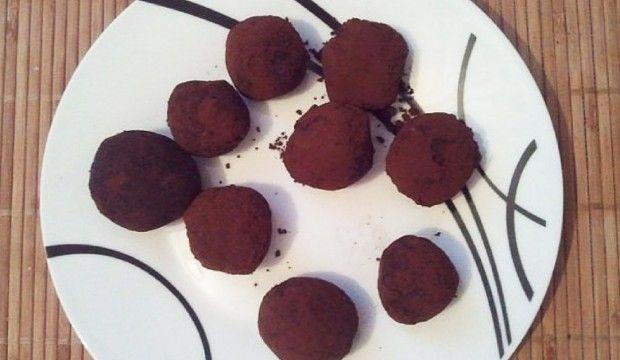 Jablečno-ořechové paleo pralinky bez přidaného cukru