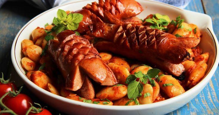 Pečené fazole je jeden z klasických řeckých receptů, který se připravuje především jako jeden z předkrmů. Používají se na něj obří máslo...
