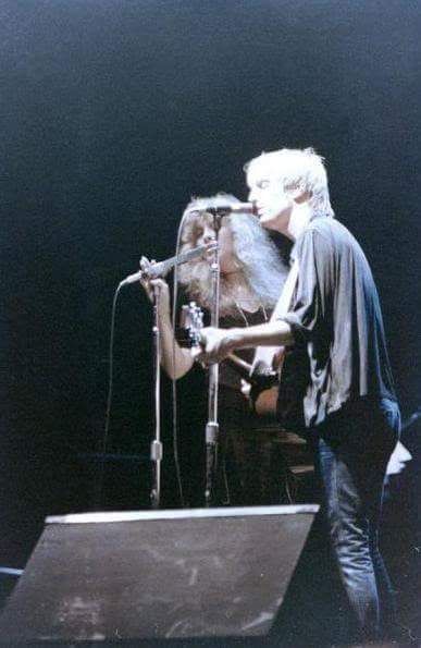Stevie  ~ ☆♥❤♥☆ ~   Tom Petty onstage, performing a duet, 1981  ~   Stevie was also a surprise guest at several other concerts ~  http://tompetty.rocks/tour-dates/1980s/item/32-1981-tour  ~  http://www.fleetwoodmacnews.com/2014/07/tom-petty-says-it-was-hard-to-sum-up.htm