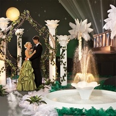 Wonder if the white around the fountain is tulle or decomesh?