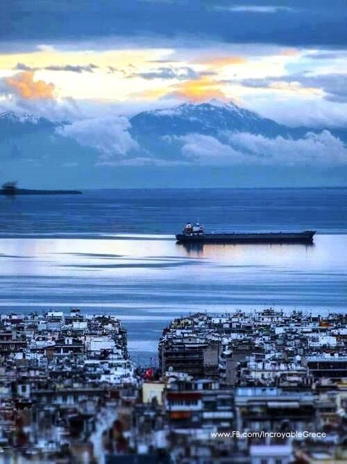 Amazing view of mount Olympos from Thessaloniki