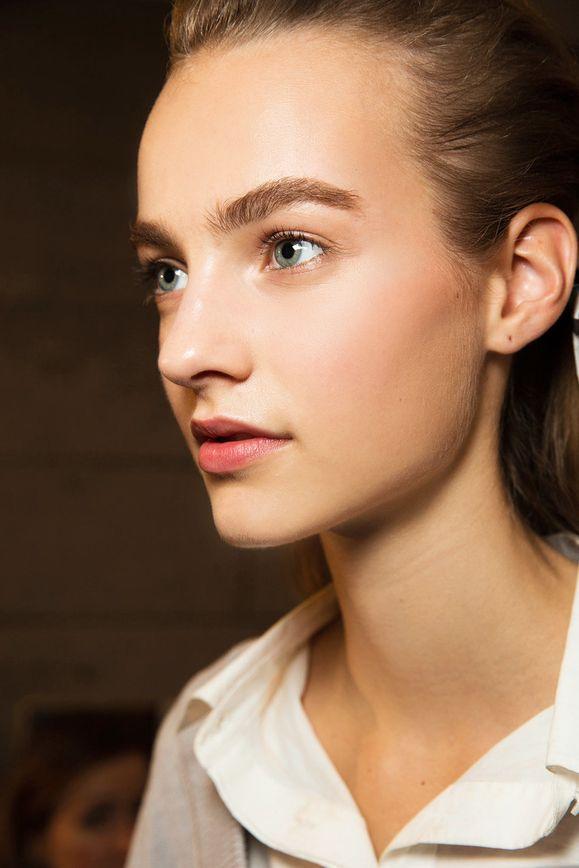 Идеальные брови: как использовать светлые и темные тона. Versace весна-лето 2015, Ready-to-wear