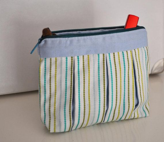 Dotted stripes cosmetic bag with inverted pleats