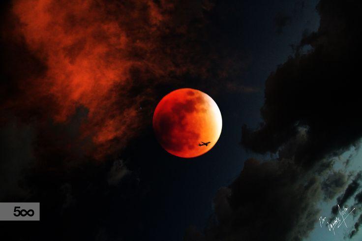 Eclipse de luna by Oscar Ávila on 500px