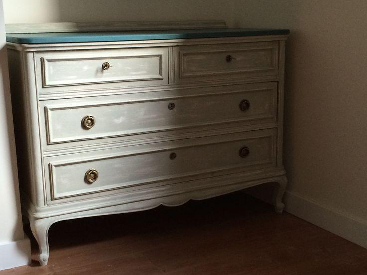 Transformaci n de una c moda cl sica para un dormitorio for Actual muebles