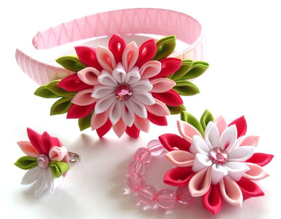 Set of 3 pieces - headband, bracelet, ring. A flowers are made in the technique of tsumami kanzashi. Plastic headband is weaved with satin ribbon. Elastic
