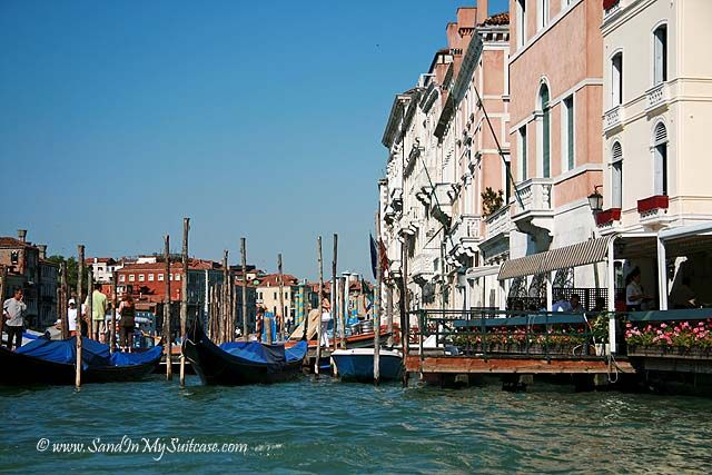 #Venice - city of canals, bridges and water... http://www.sandinmysuitcase.com/venice-city-of-bridges/ #travel #photography