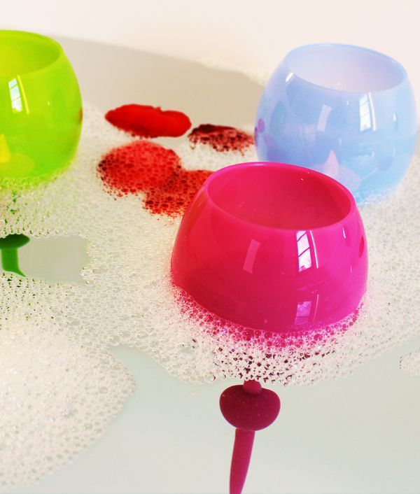 The beach glass - floats, sticks in the sand. Awesome for pool, beach, lounging!!