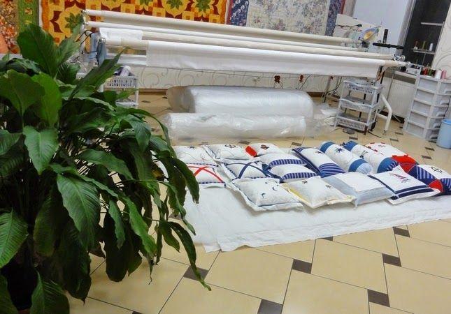 -БЕЛОШВЕЙКА-:    Морские подушки.  -  Конец рабочего дня! -