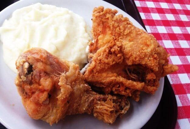 طريقة عمل صدور الدجاج المقلية مع السلطة والأرز Food Chicken Meat