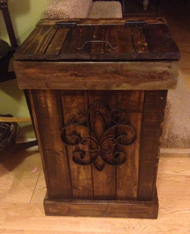 30 Gallon Wooden Trash Can Made From Wooden Pallets