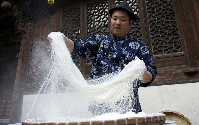 Chinesische Süßigkeiten: Drachenbart -  Lóng Xū Táng