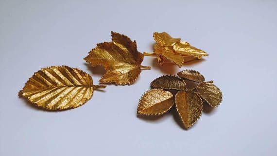 Bekijk dit items in mijn Etsy shop https://www.etsy.com/nl/listing/515420638/lot-4-vintage-gold-leaf-brooches