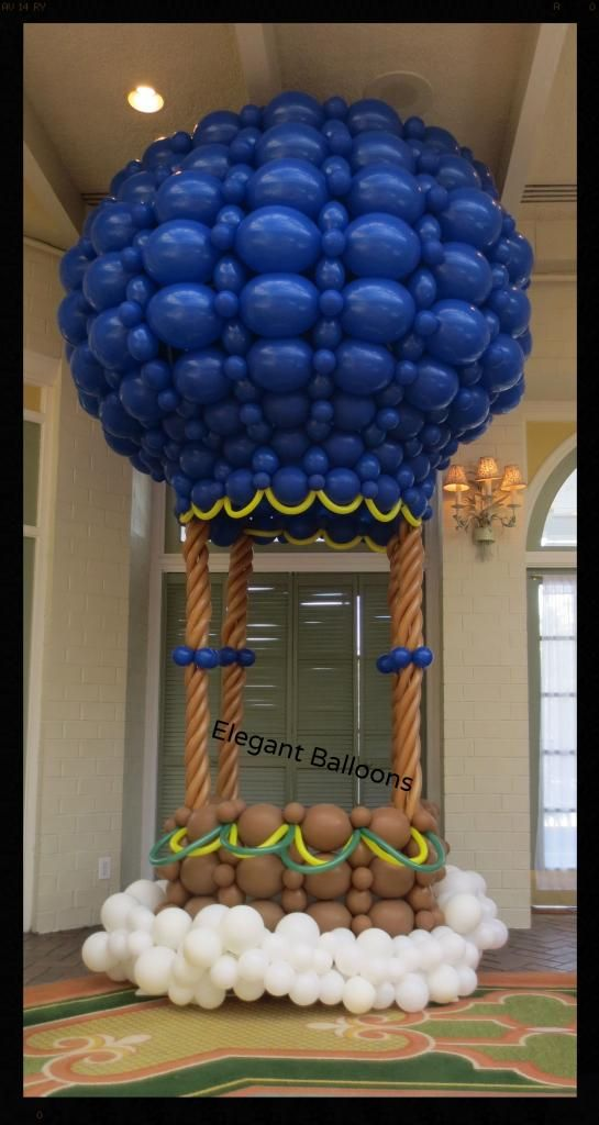 Hot Air Balloon photo op for first birthday - www.elegant-balloons.com