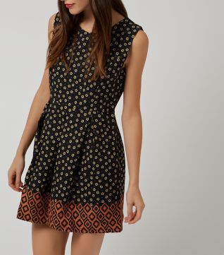 £20.00 New Look Tenki Black Contrast Hem Skater Dress