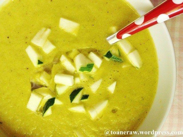 raw zucchini soup
