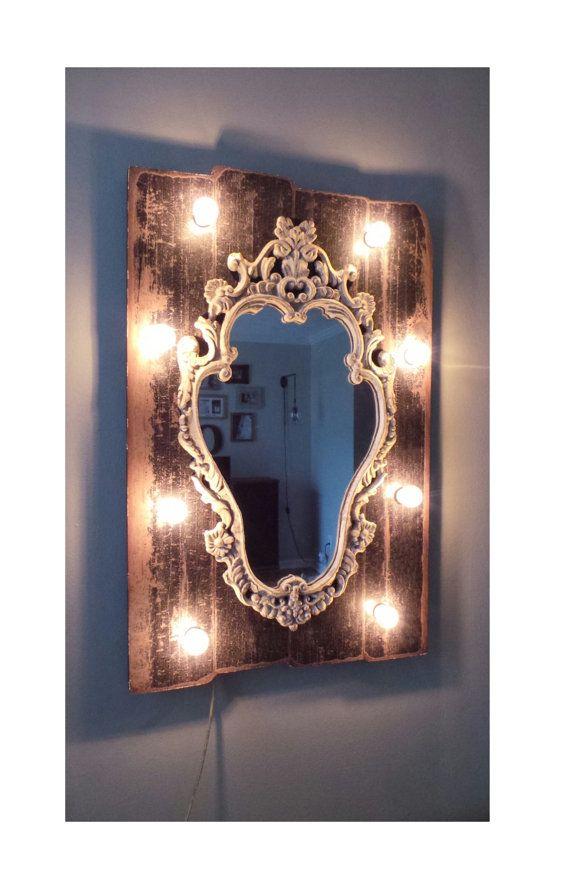 Sombre bois rustique Chic illuminent miroir de courtoisie