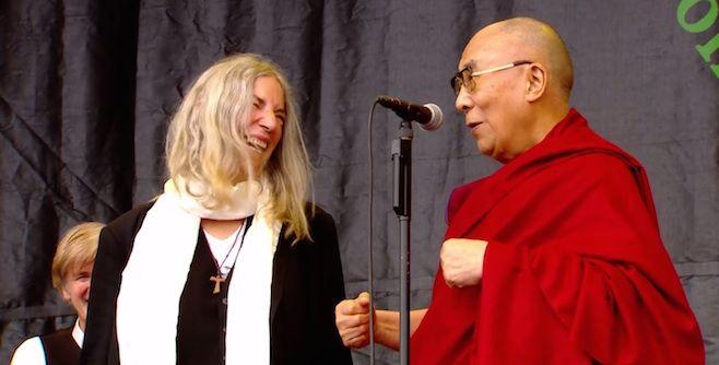 Patti Smith Brings Out the Dalai Lama at Glastonbury | News | Pitchfork