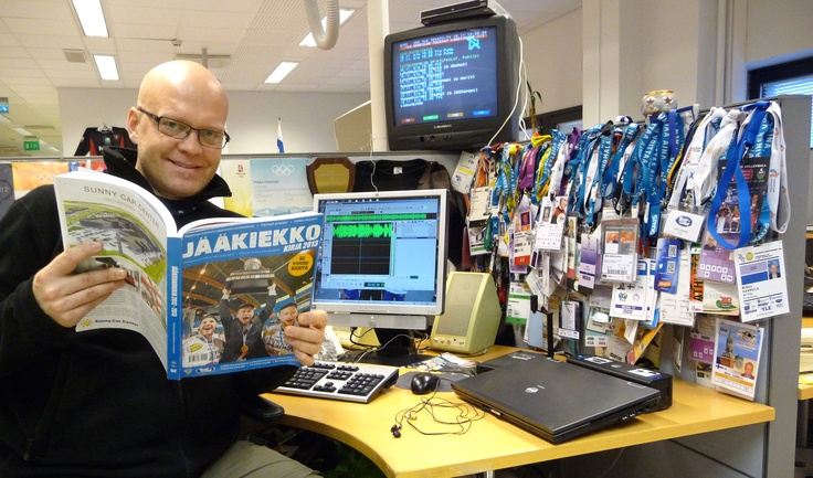 Toimittaja Mikko Hannula valmistautuu matsiin #smliiga #ylelle