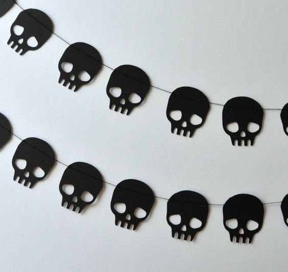 Skull Paper Garlands - DIY Paper Halloween Decorations  - Photos