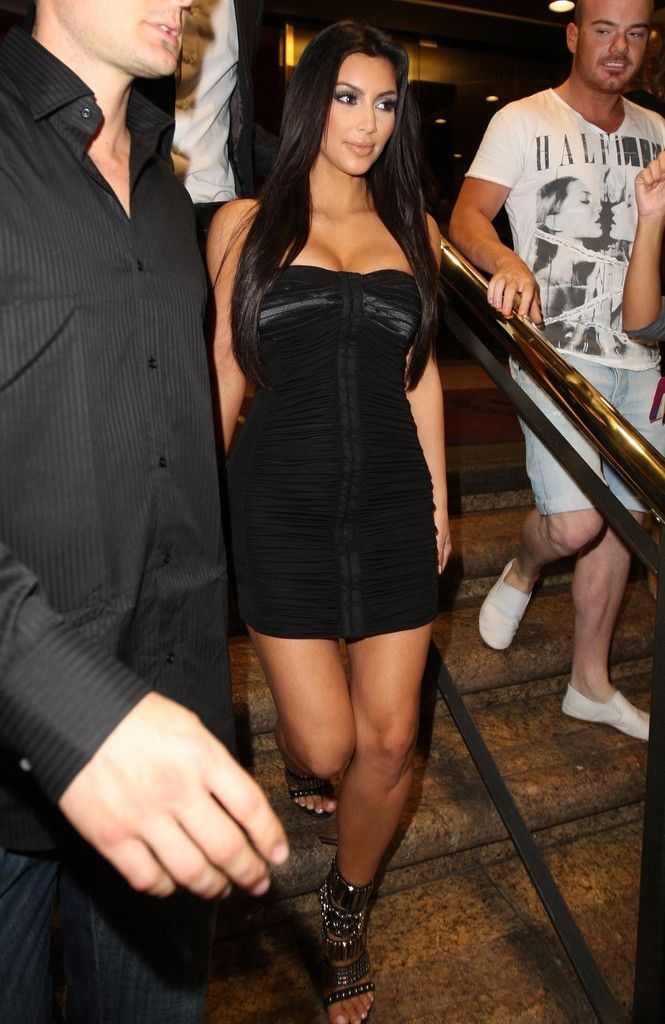 Kim Kardashian Photo - Kim Kardashian Leaving The Ivy Nightclub