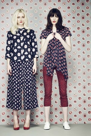 uniqlo - red capris with patterned top