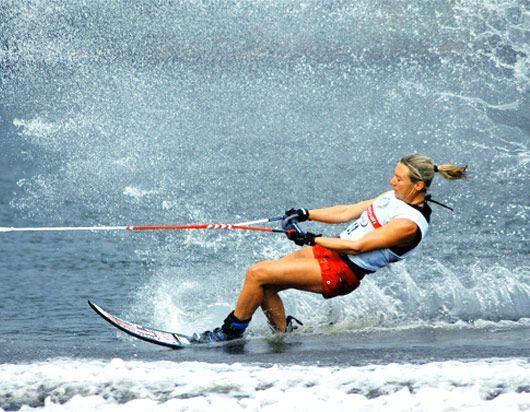 Clémentine Lucine, championne du monde, de ski nautique.   All ...