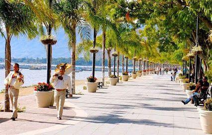 Malecón del Lago de #Chapala en #Jalisco, #México ffrancisco .percy Fernández  Tour By Mexico - Google+