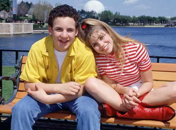 Ben Savage and Danielle Fischel are signed on for a Spinoff sequel: Girl Meets World! This time, they're the parents. So cute!!!