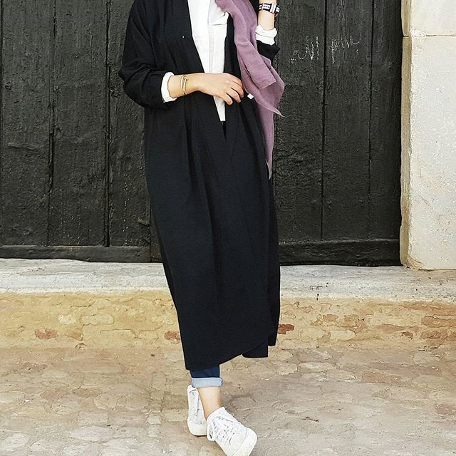 @faith_badr wearing this cutie little Abaya From @tutalldesign check out their Account . You will like all their items @tutalldesign