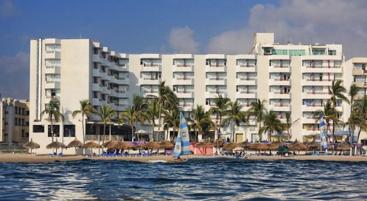 Oceano Palace Mazatlán Situated directly on the beach in Mazatlan and close to many popular sites and attractions, this hotel features comfortable accommodations and friendly service in a convenient location.
