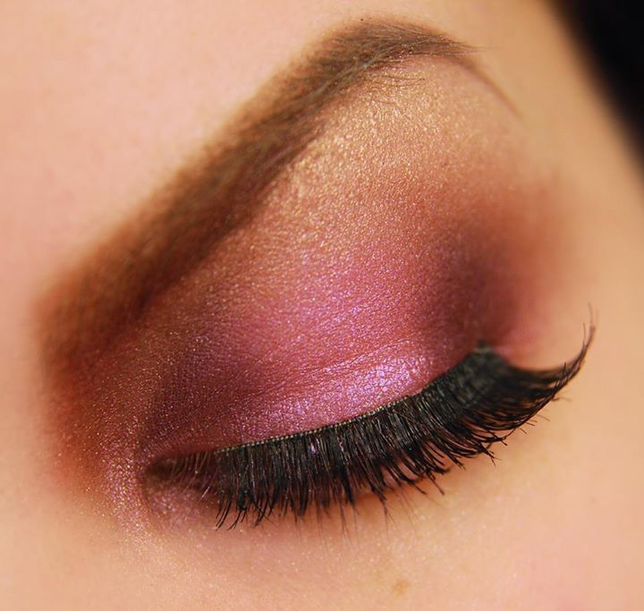 Cranberry eye makeup