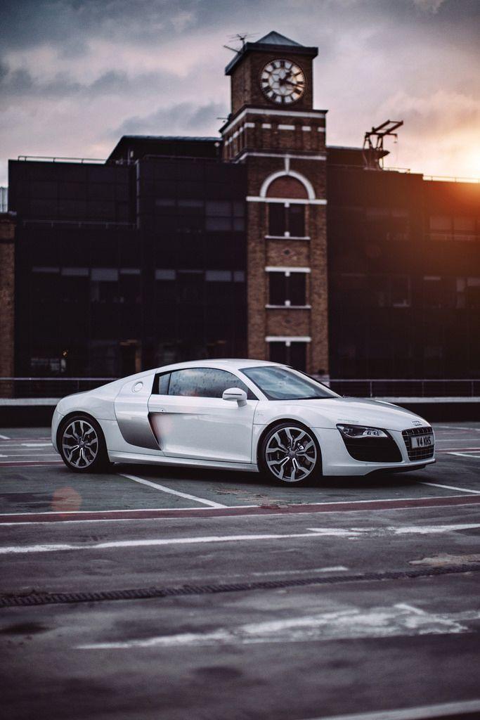 Audi R-8. https://m.flickr.com/#/photos/psysex/
