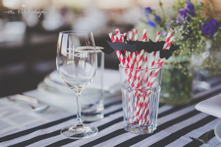 Vinca Design, France inspired wedding, paper straw, photobooth prop mustache // francia esküvő, papír szívószál, papírbajusz