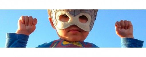 El animador de Dreamworks Daniel Hashimoto ha convertido a su hijo en todo un superhéroe.  http://ceslava.com/blog/animador-de-dreamworks-convierte-su-hijo-en-un-superheroe/  12 vídeos con simpáticos y profesionales efectos especiales creados con After Effects