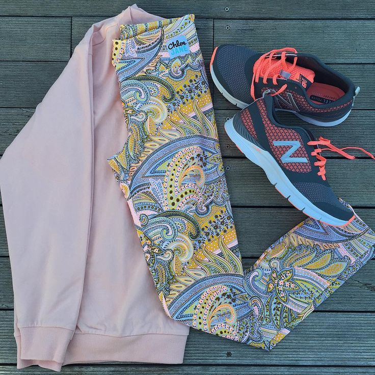 Perfect outfit for your Amber Rose leggings #AmberRose #TouchOfCoral #Yoga #Pilates #Gym #ActiveWear #CapeTown #ChloeJane