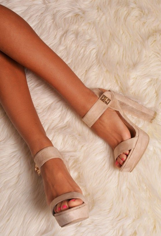 PALMA NUDE SUEDE EFFECT PLATFORMS Nude Chunky Heels with Gold £34.95 Step out in style this season with these bang on trend, chunky platform heels. This style comes in a suede effect material, and has a gold clasp fastening. This bang on trend looks fab whatever the season and is a great way to dress up a casual outfit!