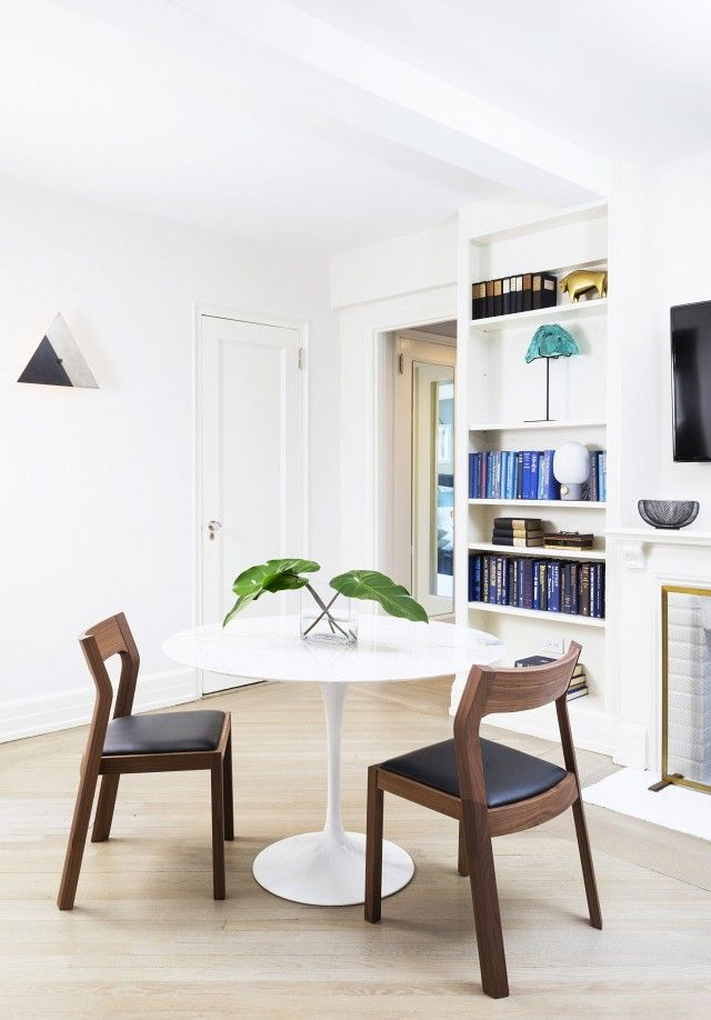 Bright dining space with midcentury modern chairs, and a small plant Small dining room ideas #diningroomdecoration #diningroomideas #diningareadesign dining room design, dining room decor, modern dining room | See more at diningroomideas.eu