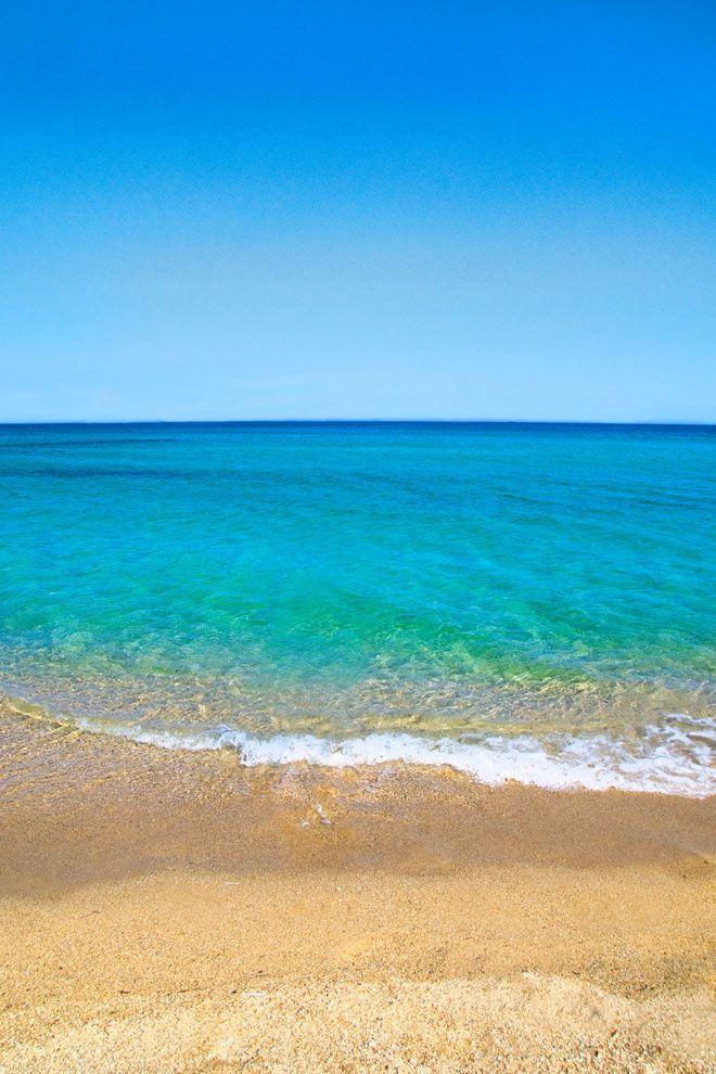 Les adresses d'été d'Inès de la Fressange plage mer turquoise sable fin Ramatuelle Pampleonne Saint Tropez http://www.vogue.fr/voyages/adresses/diaporama/les-adresses-dt-dins-de-la-fressange/21218#les-adresses-dt-dins-de-la-fressange-5
