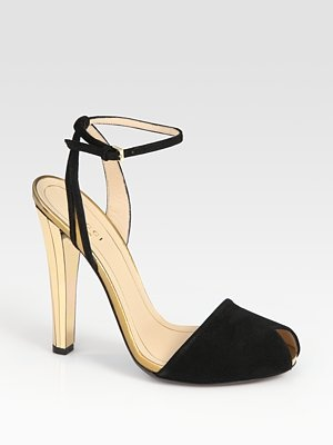 Gucci - Delphine Suede and Metallic Leather Sandals - Saks.com: Leather Heels, Gucci Shoes, Gucci Delphin, Peep Toe Heels, Delphin Suede, Leather Sandals, Guccidelphin Sandals, Metals Leather, Gold Shoes
