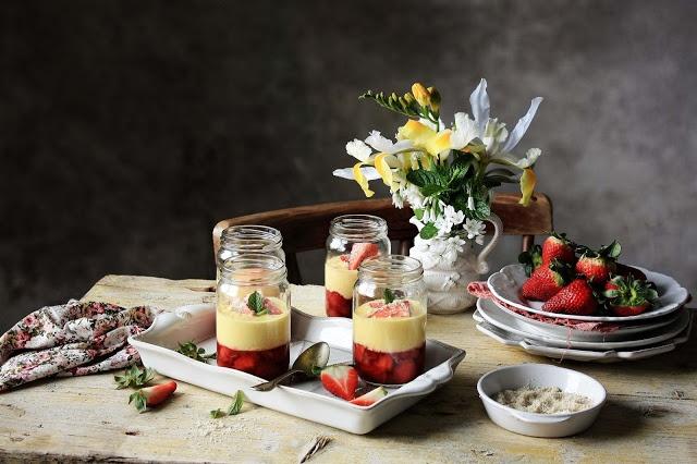 Pratos e Travessas: Pudim de morango, nata e baunilha # Strawberry, cream and vanilla pudding | Recipes, photography and stories