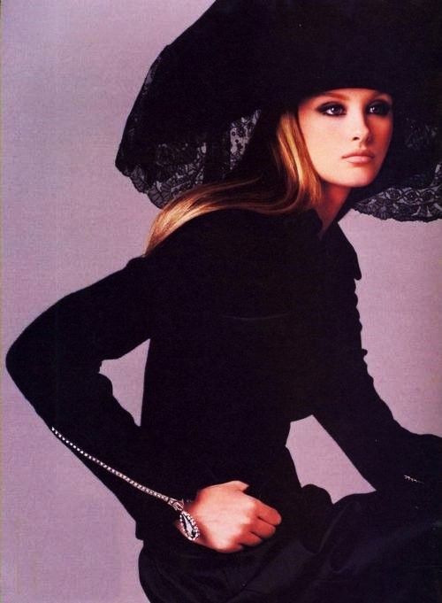 """""""Pure Couture"""", Vogue US, September 1995 Trish Goff"""